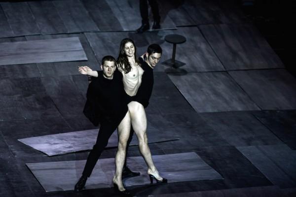 THE-GREAT-TAMER_ph-Julian-Mommert_performers-E.Liatsos_I.Michos_E.Randou_3986